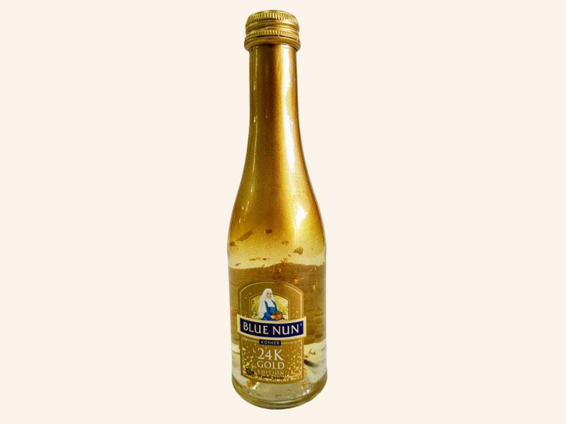 """יין Blue Nun זהב 200 מ""""ל"""